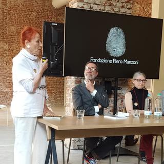 """Presentazione del libro """"Merda d'artista Künstlerscheisse Merde d'artiste Artist's Shit"""", Da sinistra Elena Manzoni di Chiosca, Marco Senaldi e Rosalia Pasqualino di Marineo."""