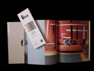 8 carte da parati in omaggio alla Merda d'artista, Brochure e catalogo 8per