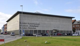 Le iconiche scatolette nei musei di tutto il mondo, Merda d'artista n. 29  Randers Kunstmuseum Stemannsgade, 2, 8900 Randers, Danimarca  ☛ Website