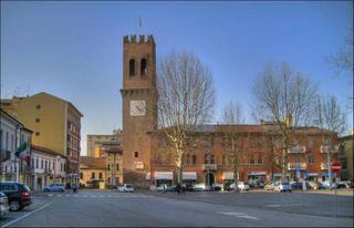 Comune di Suzzara, Suzzara - Piazza Castello