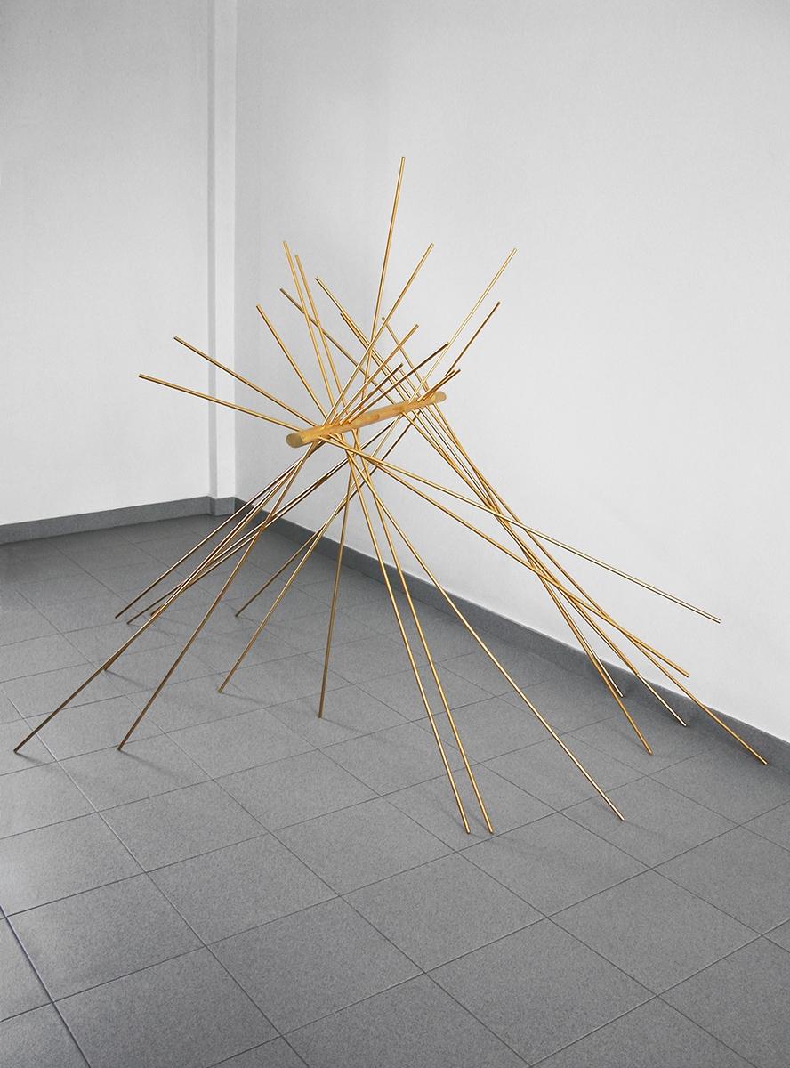 Palafritta, Palafritta, 2014 Legno e foglia d'oro 160 × 160 × 160 cm