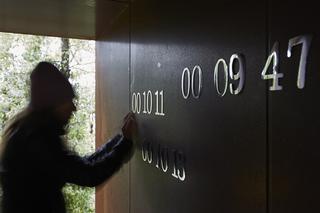 L'alcòva d'acciaio di Umberto Cavenago, Barbara De Ponti installa la propria opera Time map, 2015, Photo @ Bart Herreman