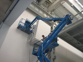 Monocromo bianco, Allestimento dell'installazione alla Fondazione Arnaldo Pomodoro, Milano, Photo © Umberto Cavenago