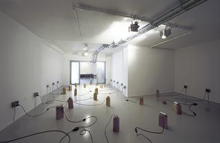 Fremito creativo, Installazione presso la Galleria Fumagalli, Bergamo 2003, Photo © Giorgio Colombo