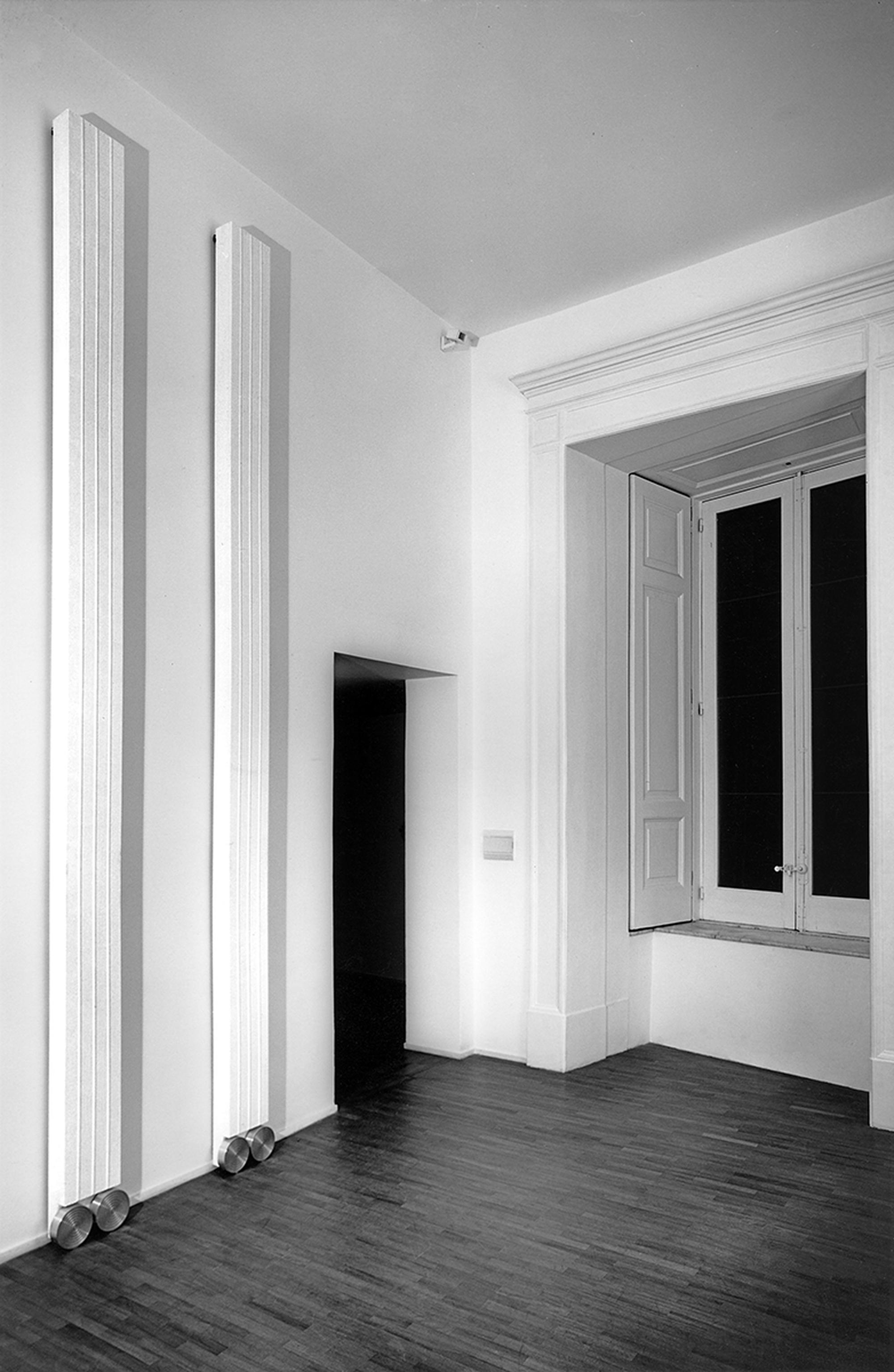 Lesene, Installazione Galleria Raucci Santamaria, Napoli