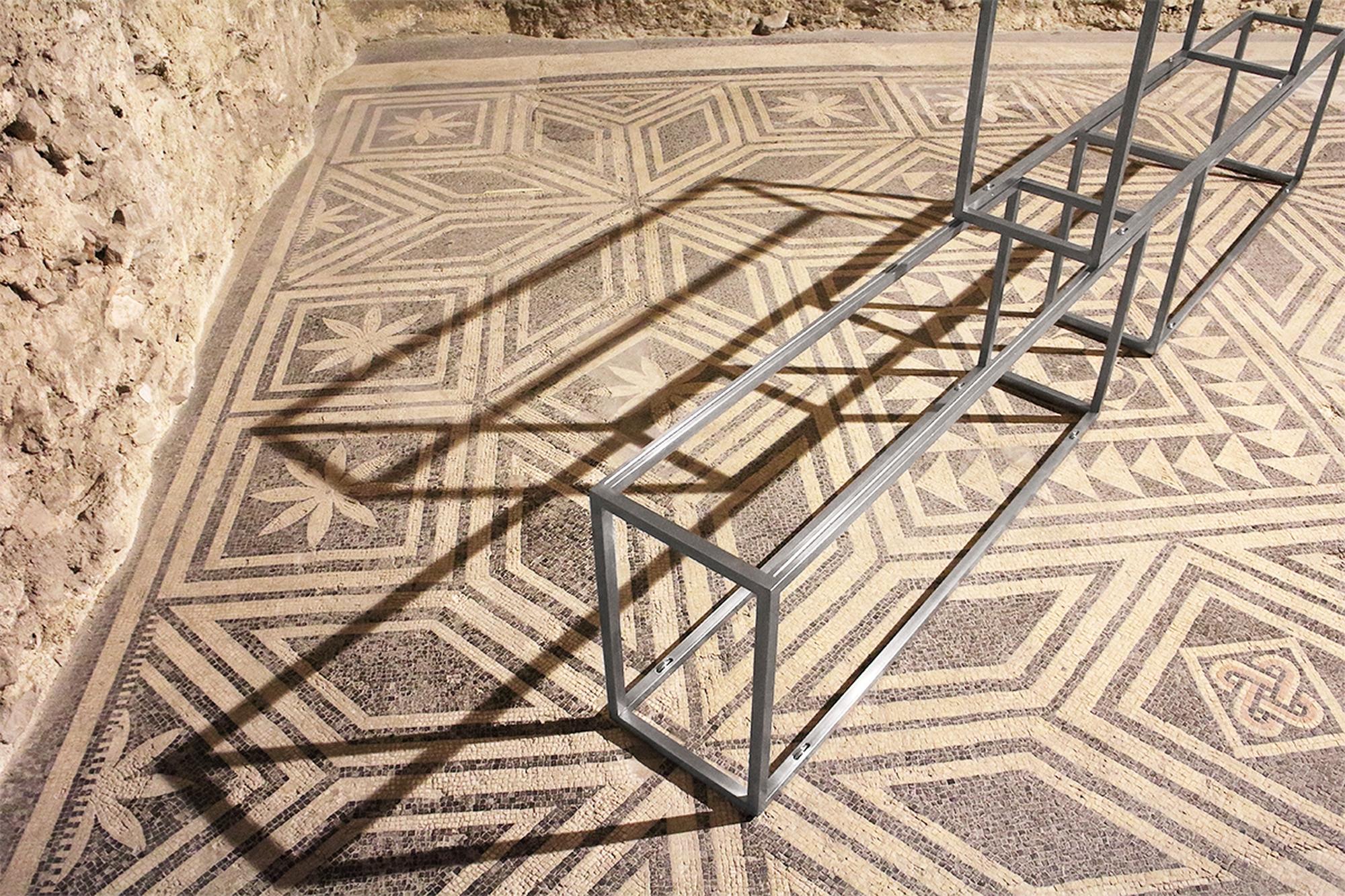 Primo piano, Installazione alla Casa Romana, Spoleto, Photo @ Umberto Cavenago