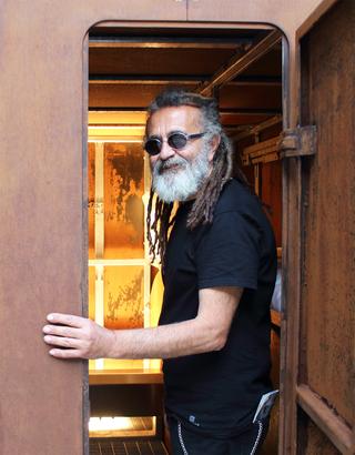 La 74, Turi Rapisarda entra ne La 74installata a Torino negli spazi dell'hotel NH Collection
