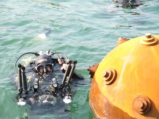 Protecziun da la patria, Massimiliano Monaco, artificiere subacqueo e fotografo, Photo © Davide Fontana