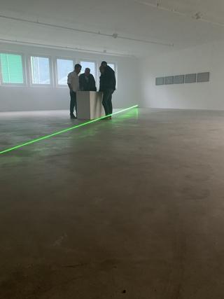 Adorabile, Trasmissione morse alla Kunsthalle West di Lana in occasione di