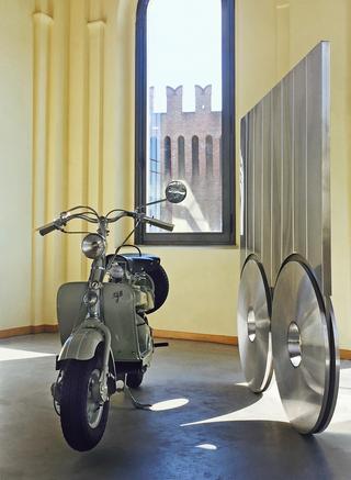 """Sottiletta, Installazione in occasione di """"Translazioni"""", 2016 Ex Opificio Industriale La Filanda, Soncino, Photo © Umberto Cavenago"""