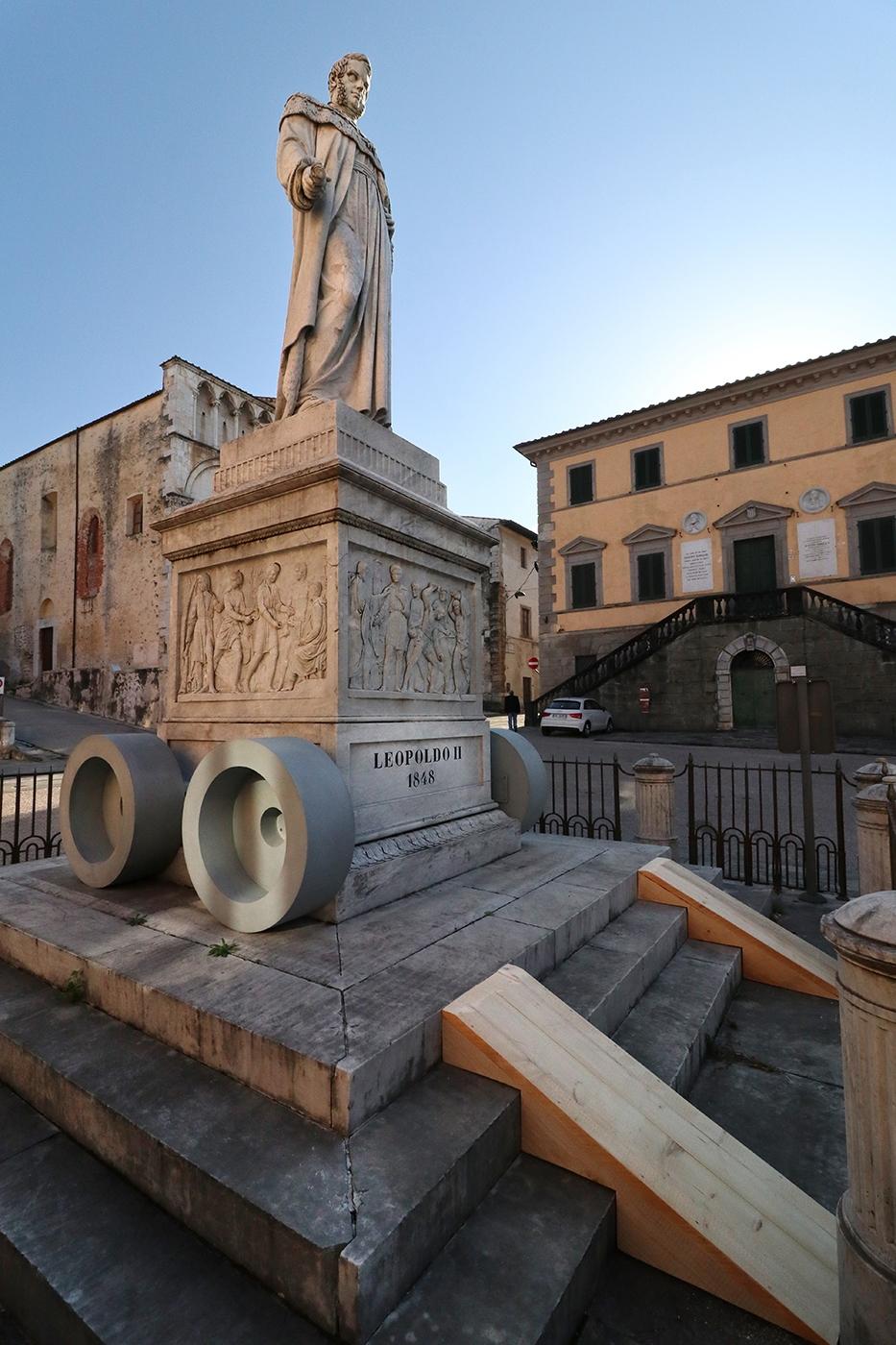 Leopoldo, Piazza del Duomo, Pietrasanta