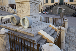 Leopoldo, Piazza del Duomo, Pietrasanta, Photo © Bart Herreman