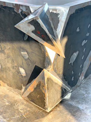 Erratico reversibile, Erratico reversibile in costruzione presso Rebuzzi.it