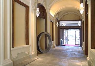 Ringway, NH Collection Piazza Carlina Torino