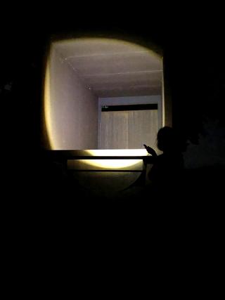 L'alcòva d'acciaio di Umberto Cavenago, L'interno, durante un sopralluogo notturno