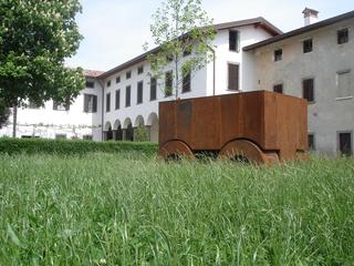 La 74, Installazione presso la tenuta Casarotto di Albegno, Bergamo, 2012