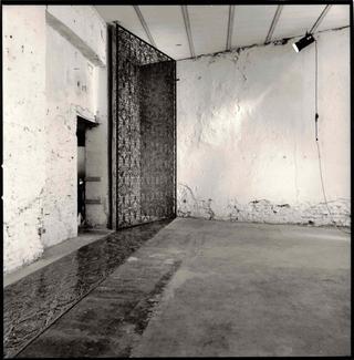 Maggie Cardelùs, Untitled N.6, Maggie Cardelùs, veduta dell'installazione. Foto di Andrea Martiradonna