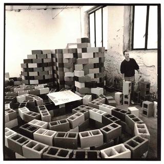 Alan Belcher, Complex Milano, L'opera in costruzione. Foto di Andrea Martiradonna