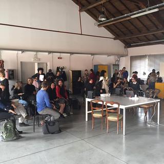 ENGAGE Public School for Social Engagement in Artistic Research, Gli incontri di presentazione delle pratiche e dibattito partecipato.
