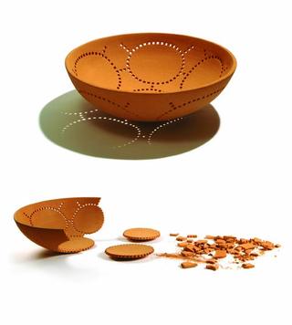 Paolo Ulian 1990-2009, Una seconda vita,2006 Centrotavola in ceramica, Attese Edizioni