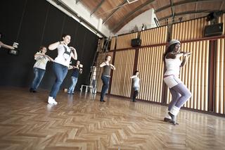 """Education Lab - formazione attraverso l'arte - II edizione, Laboratorio di danza """"S.A.T. Sole acqua e terra"""", a cura di Mascherenere e Associazione Sunugal"""