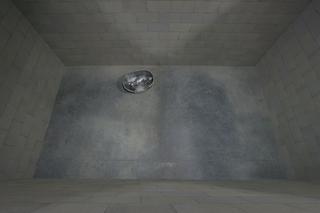 Liliana Moro, This Is the End, Film, 2006, fusione in bronzo Foto di Roberto Marossi.