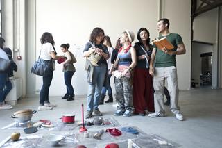 """Education Lab - formazione attraverso l'arte - II edizione, Laboratorio """"IO! Un ritratto/autoritratto fotografico"""" di Associazione Pane Arte e Marmellata"""