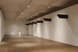 Valentin Carron, Luisant de sueur et de briantine, Déchéance, élégance, déhanchement, Exhibition view at Swiss Institute, New York, 2006.