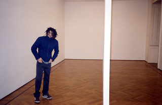 People | Artists, Giuseppe Gabellone, in una fotografia di Armin Linke, 1999