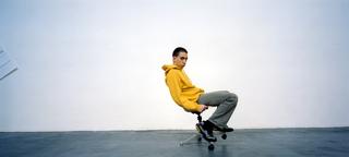 People | Artists, Patrick Tuttofuoco,inuna fotografia di Armin Linke, 2000