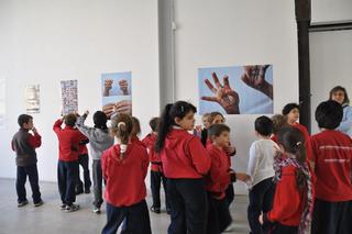 I AM Italy I AM Romania. Autoritratti fotografici dei bambini di Milano e Sighet, Veduta dell'allestimento