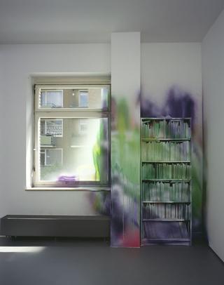 Katharina Grosse, If music no good I no dance, Untitled, 2003, acrylic on wall, bookshelf and books, 332 x 265 x 68 cm, Galerie Conrads, Dusseldorf, photo: Olaf Bergmann