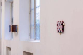VIR Viafarini-in-residence, Open Studio, Maurice Pefura, horizontale du plan, 2017, tecnica mista su polistirene. Foto di Valerio Torrisi.