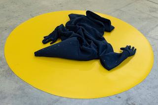 VIR Viafarini-in-residence, Open Studio, GianMarco Porru, senza titolo (ma di una ordinaria magia), 2018, performance e installazione. Foto diVanessa Lopes Alvares.