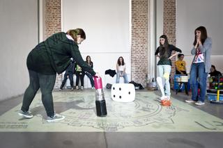 """Education Lab - formazione attraverso l'arte - II edizione, Laboratorio """"Milano in gioco"""", Prof.ssa Emanuela Volpe, Liceo U. Boccioni"""