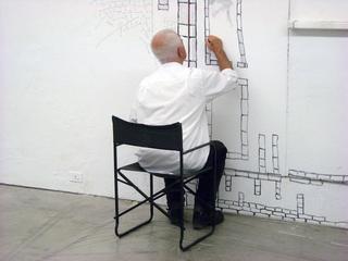 Kim Jones, residenza, mostra e workshop, Kim Jones a Viafarini, dove ha disegnato regolarmente per 30 giorni