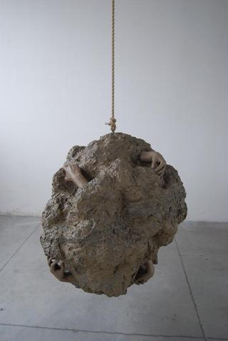 William Cobbing, Man in the Planet, Re-Make Re-Model, 2010 polvere di argilla, cera, resina, corda