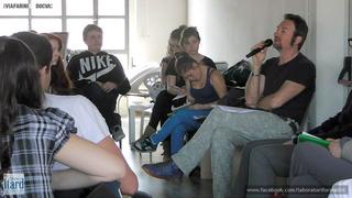 Workshop: Low Cost Design Park, Daniele Patio Perra con i ragazzi delle classi.