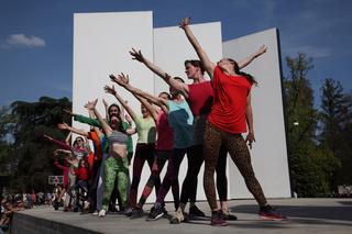 Stage as a social platform | Jérôme Bel, Alexis Blake, Luigi Coppola, Christian Nyampeta, Jérôme Bel, Compagnie, Compagnie (2015) Foto di Paolo Sacchi