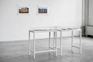 Nikita Kadan, Everybody wants to live by the sea, Veduta dell'installazione Foto di Davide Tremolada
