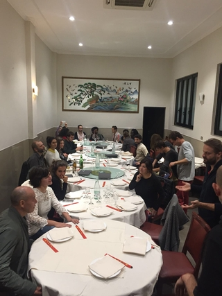 ENGAGE Public School for Social Engagement in Artistic Research, Cena finale con i partecipanti in un ristorante di Chinatown, scelto da Leone Contini.
