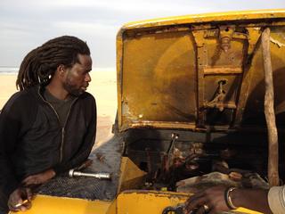 Intercultura - Capitolo 12 Ricordi di viaggio, Escursione al lago Rosa ( o lago Retba) vicino a Dakar, chiamato così per il colore delle sue acque