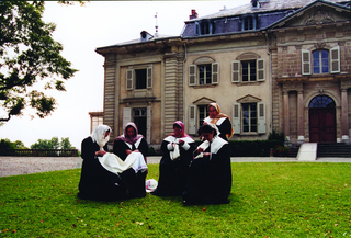 "Maja Bajevic, Avanti Popolo, Maja Bajevic, Women at Work — The Observers, 2000, five-day performance / video (8'20""), Château Voltaire, Ferney Voltaire, France, 2000"