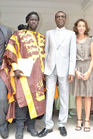 Intercultura - Capitolo 1 Modou Gueye, Modou Gueye con il Ministro della Cultura del Senegal, 2013.