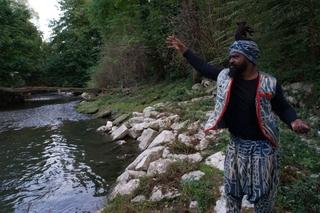 Leone Contini, Il Corno mancante, Il momento del rituale riparatore Fa'ah compiuto da Patrick Joel Tatcheda Yonkeu, un rituale praticato nel Nde (Ovest del Camerun).