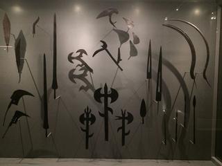 Leone Contini, Il Corno mancante, Il Canto di Yamantaka, sezione delle armi africane, Museo MUDEC.