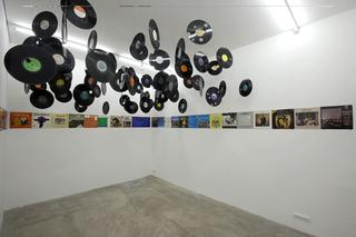 Stefano Arienti, Dischi Di Dei, 2007 Holes on cardboard, printed paper and vinyl dimensione ambiente Galleria S.A.L.E.S., ROma Courtesy:Galleria S.A.L.E.S., Roma
