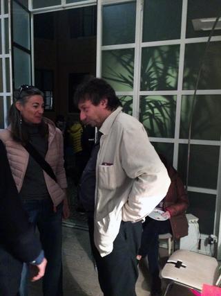 La storia dell'Archivio - 1, Alessandra Pioselli e Sergio Casoli alla mostra curata da Corrado Levi nello studio di Alberto Mugnaini albertoaperto, 2017. Fu Sergio Casoli nei primi anni '90 a suggerire la collaborazione per l'Archivio tra Viafarini e Careof.