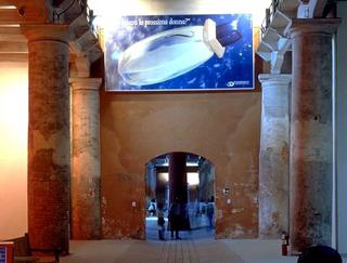 Maurizio Cattelan, Lavorare è un brutto mestiere, 1993 (Working is an ugly job) Laser print on PVC 280 x 580 x 20 cm - Aperto '93 - Emercency/Emergenza , XLV Biennale, Venezia Foto:Roberto Marossi