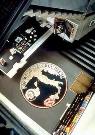 Maurizio Cattelan, Il Bel Paese, 1994 Carpet Ø 320 cm - soggettoSoggetto , Museo d'Arte Contemporanea, Rivoli (TO)